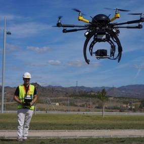 drones-en-la-construccion-innovacion-construccion-piloto-drones-ferrovial