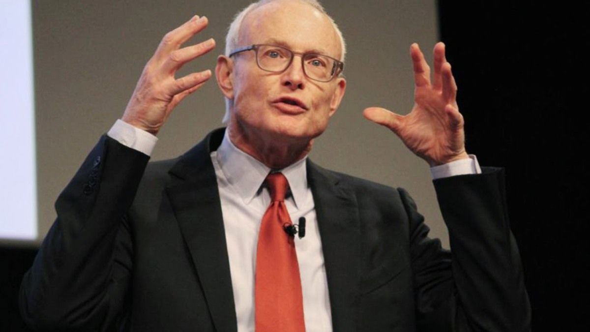 #michaelporter: I listen to him, read him and he is one of my first influencers